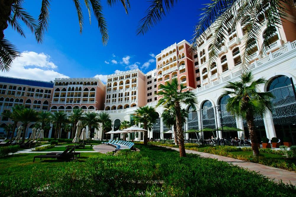 Ritz Carlton Abu Dhabi Grand Canal | Pool