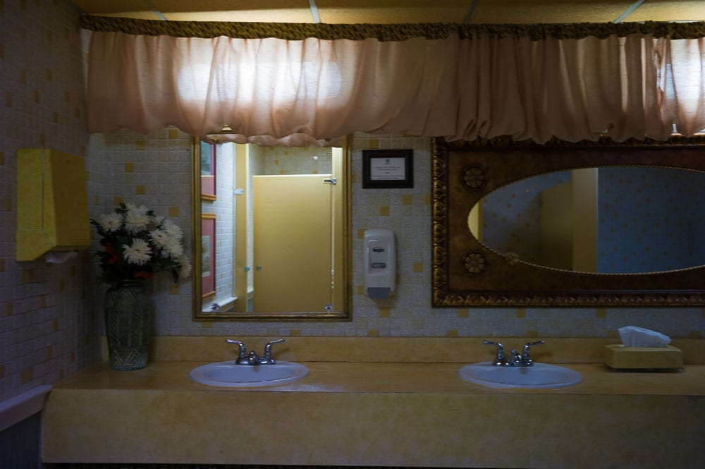 We went inside the Hawthorne Hotel. It's supposed to be haunted. How about this bathroom?